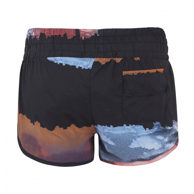 Shorts in city print, rear view with pocket (photo courtesy of Mirelle)